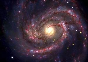 Астрономы обнаружили молодую звезду в облаке газа, которое будет поглощено черной дырой
