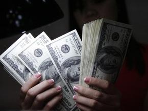 Доллар минимально укрепился на межбанке