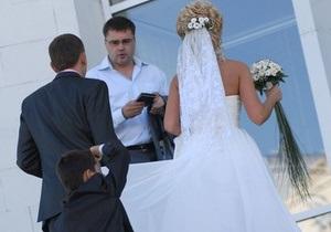 В Украине могут повысить минимальный возраст женщин для вступления в брак