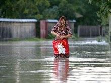 Западным областям угрожает новое наводнение. Люди до сих пор живут в палатках