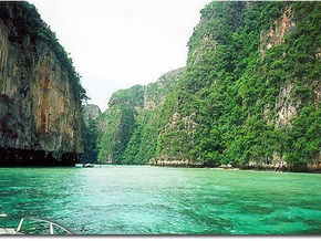 Таиланд на три месяца отменил плату за визы