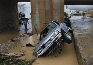 Число жертв наводнения в Испании возросло до десяти