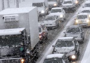 Киев сковали многокилометровые пробки