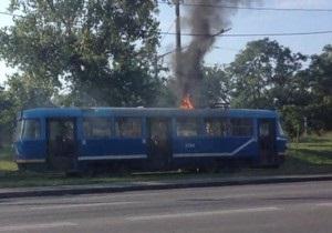 В Одессе во время движения загорелся трамвай с пассажирами