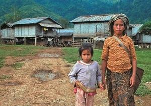 Более 500 жителей Лаоса выселили с насиженных мест, чтобы провести саммит с Медведевым