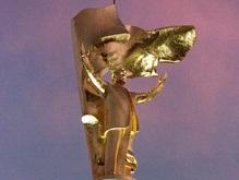 Из центра Ашхабада убирают золотой памятник Туркменбаши