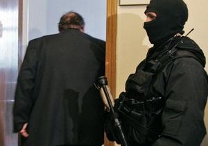 В Киеве задержали чиновника при получении взятки за разрешение на установку киоска