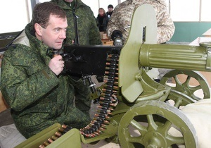 Медведев подтвердил заинтересованность России в покупке военной техники за рубежом