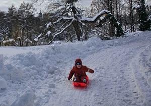 В Украине свыше 400 тысяч школьников ушли на каникулы из-за морозов