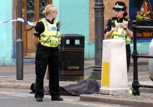 В результате стрельбы в Британии пострадали 25 человек, еще пятеро погибли
