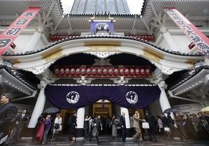 После трехлетней реконструкции в Токио открылся театр Кабуки