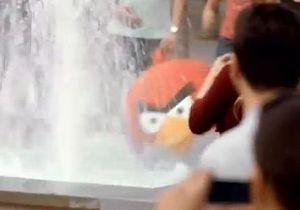 T-Mobile соорудил в испанском городе реальную версию игры Angry Birds