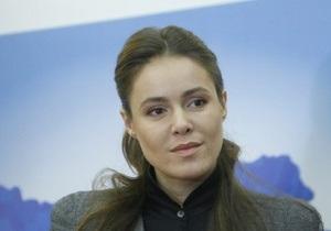 Суд отказался закрыть дело по  смешному  иску Королевской к социологам