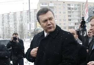 Опрос: Во втором туре Янукович опередит Тимошенко на 10%