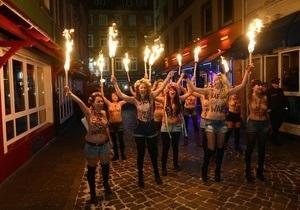 Теперь и в Германии: активистки FEMEN прошлись по кварталу  красных фонарей  в Гамбурге
