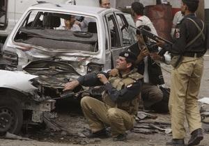 Захват мечетей в Лахоре: трое террористов подорвали себя при появлении спецназа