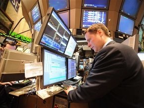 Рынки: Фондовые рынки, нефть и золото снизились