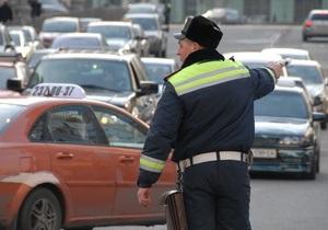водителю, который выбил стекло в автомобиле ГАИ, грозит тюремный срок