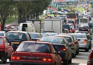 Бродский намерен заменить транспортный сбор акцизом на бензин