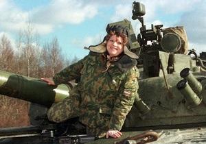 Россияне считают, что женщины должны служить в армии