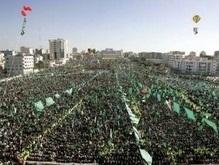 Десятки тысяч палестинцев празднуют 20-летие ХАМАСа