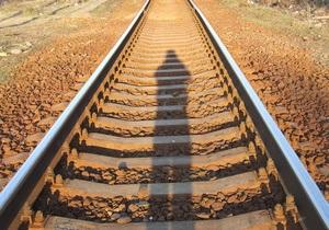 Грузовой поезд Стрый-Мукачево смертельно травмировал мужчину