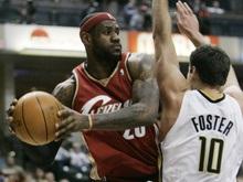NBA: ЛеБрон бушует