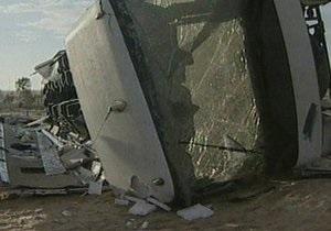 В Непале автобус сорвался с горной дороги: погибли 27 человек