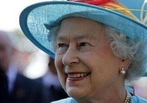 Жительница Торонто преодолела полицейское оцепление и приблизилась к Елизавете II