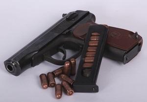 В Москве у спящего охранника украли три пистолета