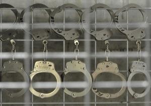 Пятерых подозреваемых в изнасиловании девушки в Умани отпустили на свободу