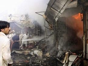 В Пакистане взорвался заминированный автомобиль: двое погибли