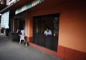 В Мексике неизвестные расстреляли посетителей бара, среди погибших трое полицейских