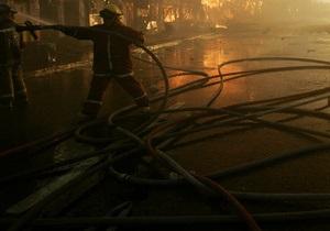 На территории киевского завода Вулкан горит склад