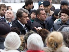 Экс-врач Ющенко: Люди не хотят знать правду о болезни Президента