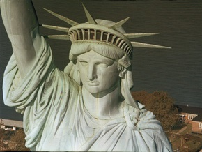 Туристам вновь разрешат подниматься на смотровую площадку в короне Статуи Свободы