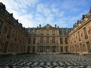 Из Версаля украли две бронзовые вазы начала XIX века