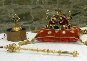 В Праге открылась выставка королевских драгоценностей