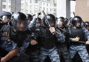 Свобода: Беркут пытался оттеснить митингующих с лестницы Украинского дома