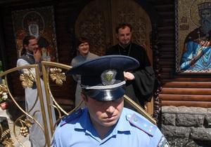 Кравчук и Ющенко просят Януковича остановить строительство возле Десятинной церкви