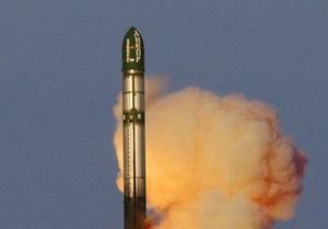 Россия произвела пуск межконтинентальной ракеты Сатана