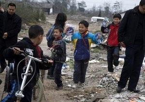 В Китае 24 ребенка отравились отходами производства батареек