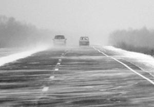 В Одесской области монахини спасли застрявший в снежном плену пассажирский автобус