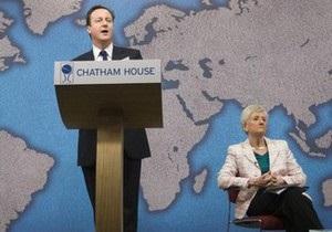 Британский премьер отказался назначить баронессу советником из-за ее связей с Фирташем