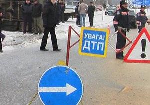 В Черниговской области в результате столкновения 16 машин госпитализированы четыре человека