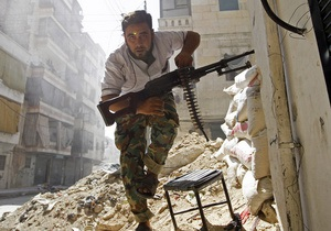 Сирийский конфликт: Войска Асада наносят авиаудары по Хомсу