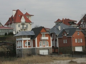 Корреспондент: Украинцы не спешат выходить из роли бедного родственника