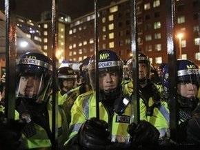 Потасовка британских антифашистов с полицией у здания Би-би-си: шесть задержанных, трое пострадавших