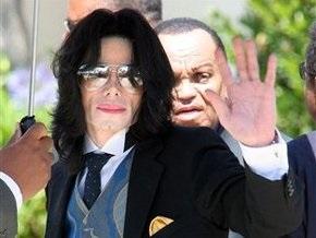 Представитель Майкла Джексона опроверг слухи об опасной болезни певца