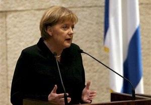 Меркель заявила, что для выделения денег Афинам одной подписи премьера мало